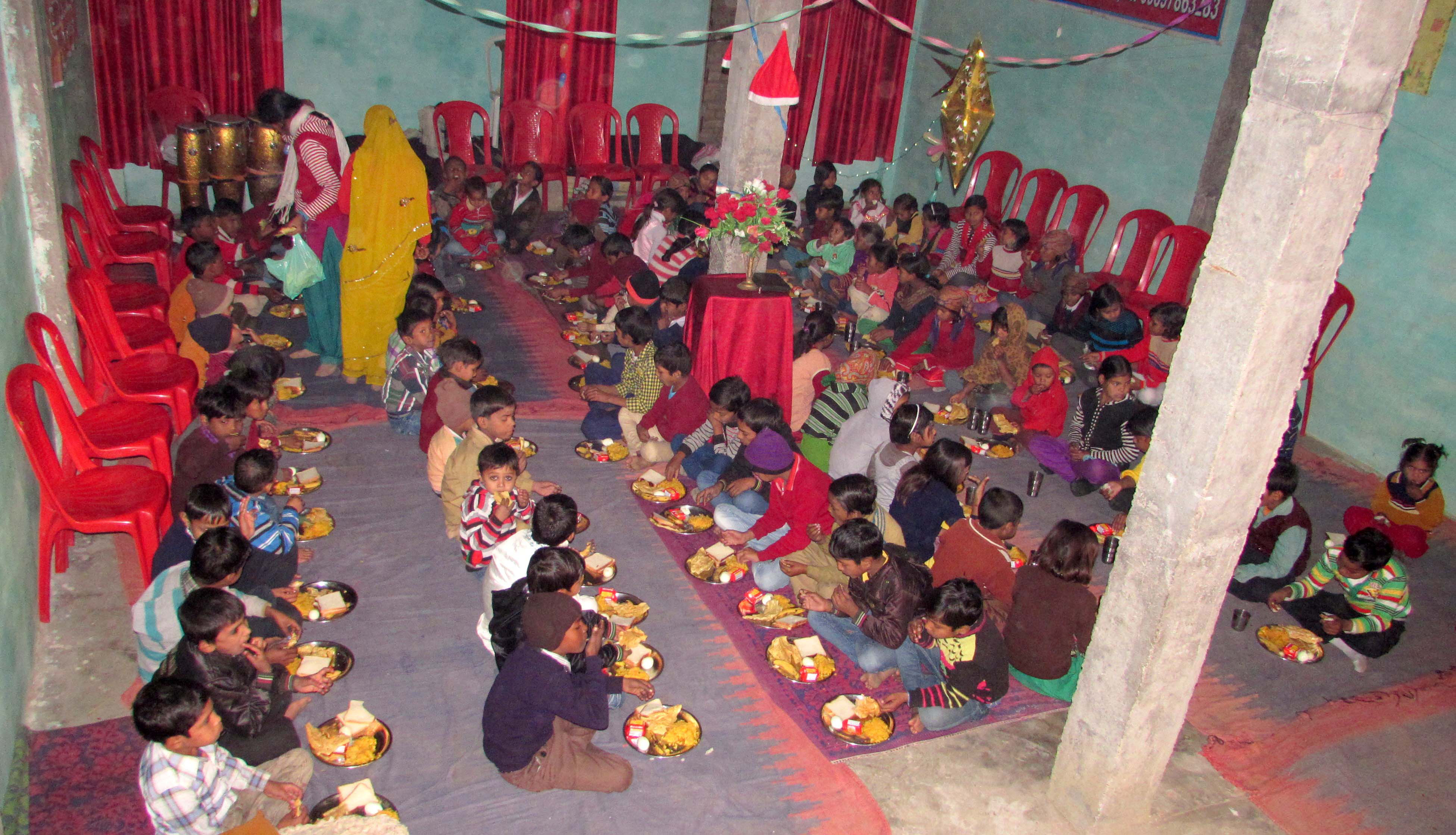 FOOD_02-KIDS-EATING-CBCC-AGRA