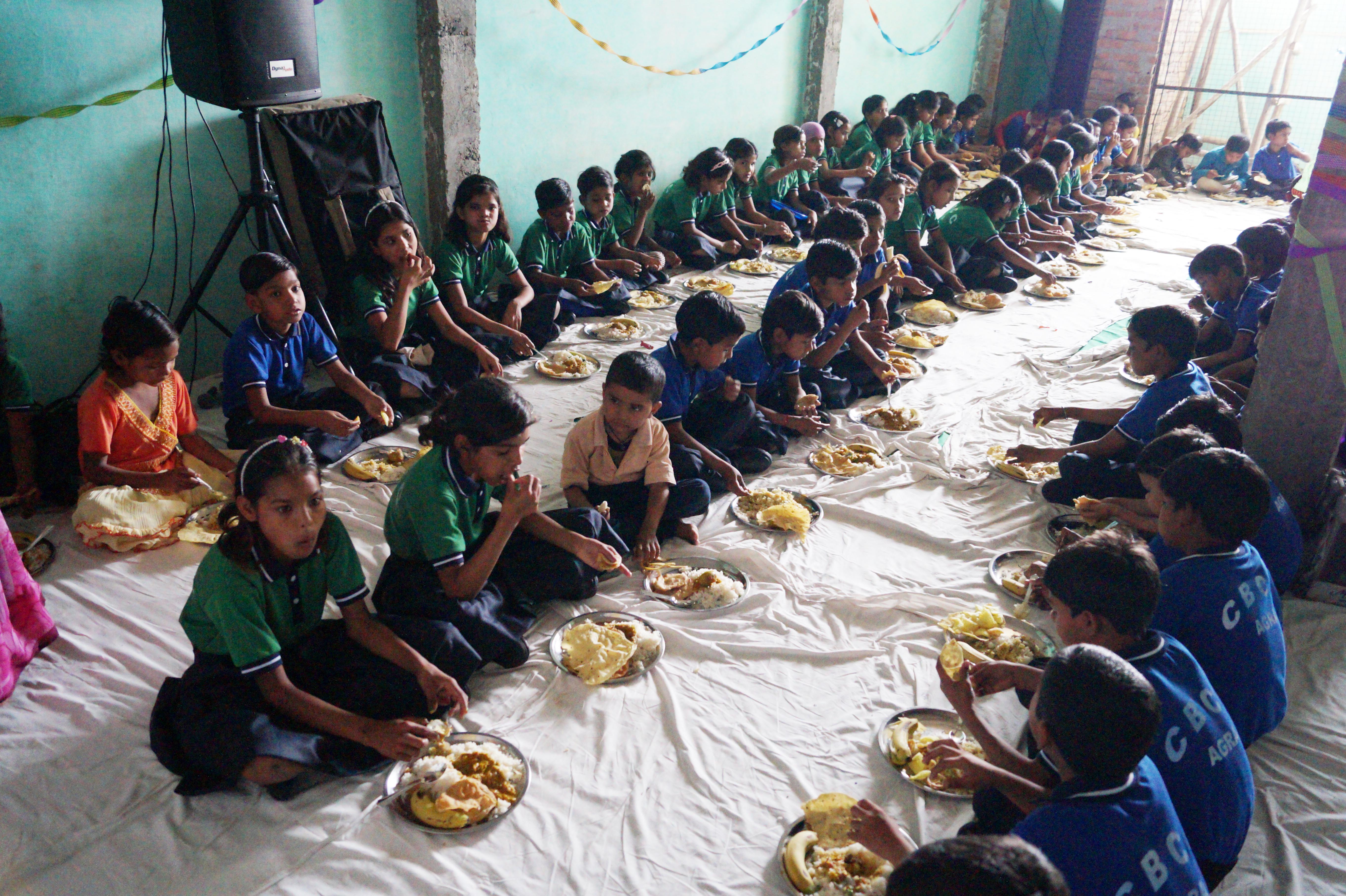 FOOD_03-KIDS-EATING-CBCC-AGRA